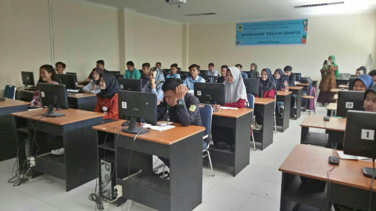 Workshop design grafis prodi Teknologi Industri Pertanian Unidha